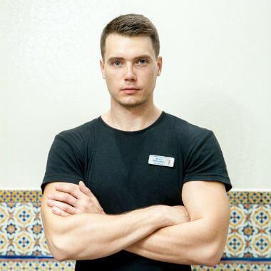Илья, Массажный салон Михаила Гузь